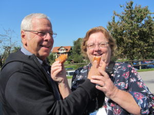 John and Julie enjoying pastry in Affoltern