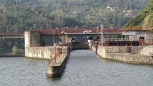 Approaching the Carrrapatelo Dam