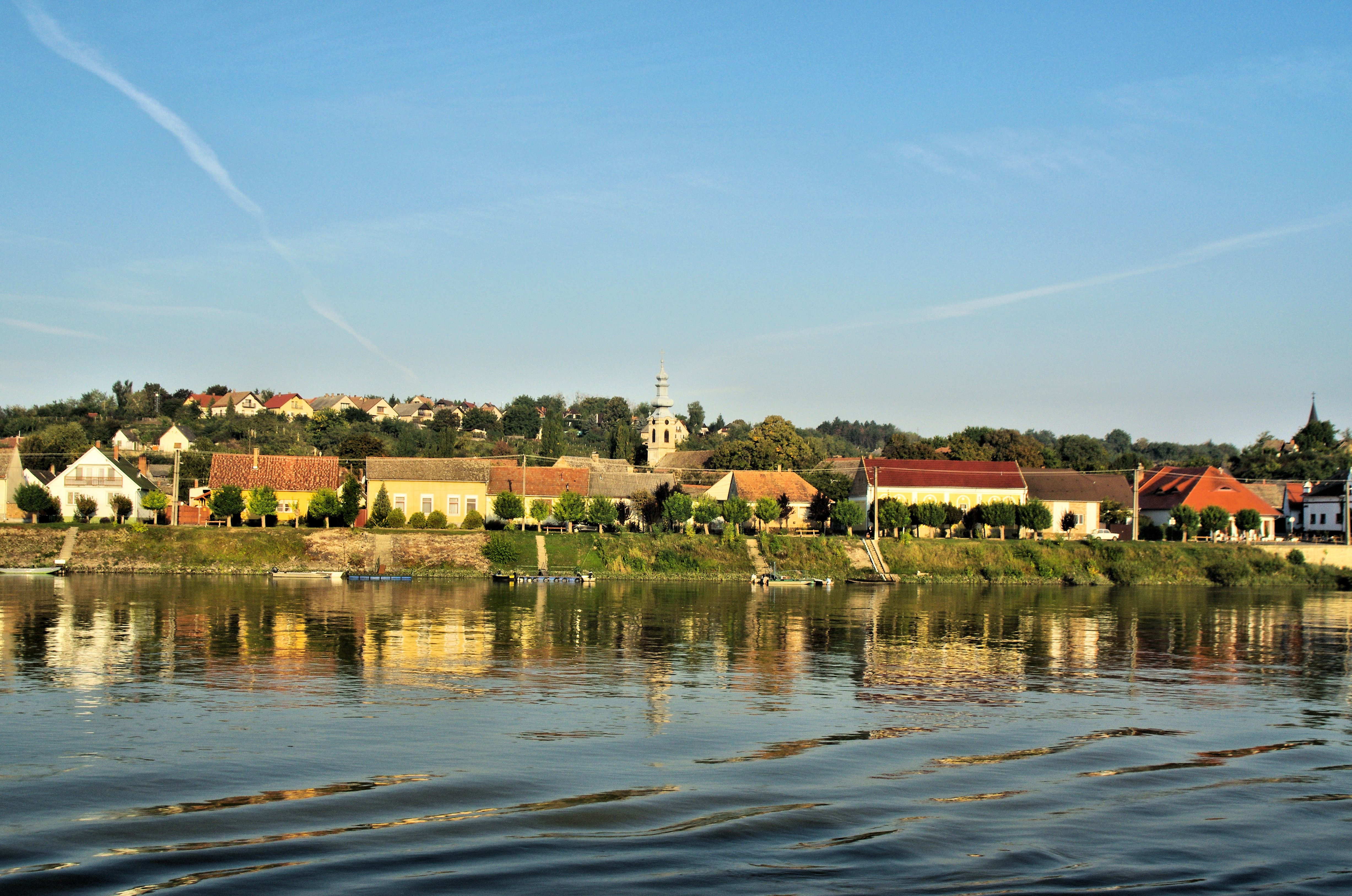 Morning on the Danube, near Mohács. Photo credit: Byron Howes