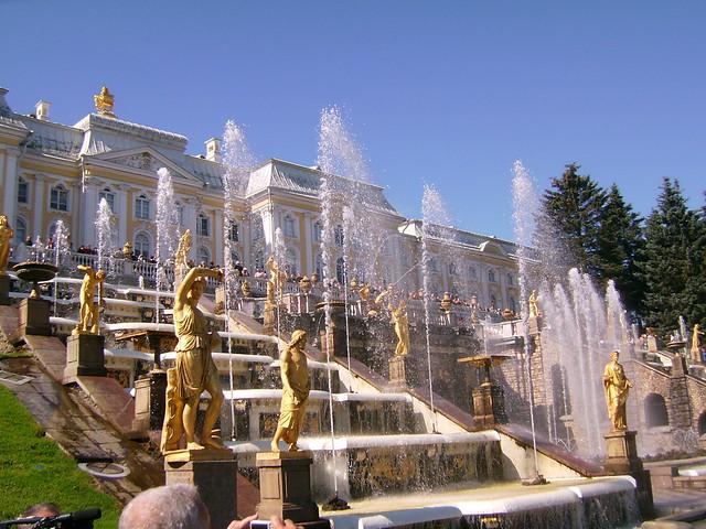 Peterhof fountain, St. Petersburg