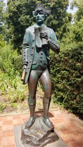 Statue of Captain Cook.
